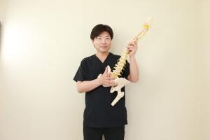 骨を持つ平岡代表